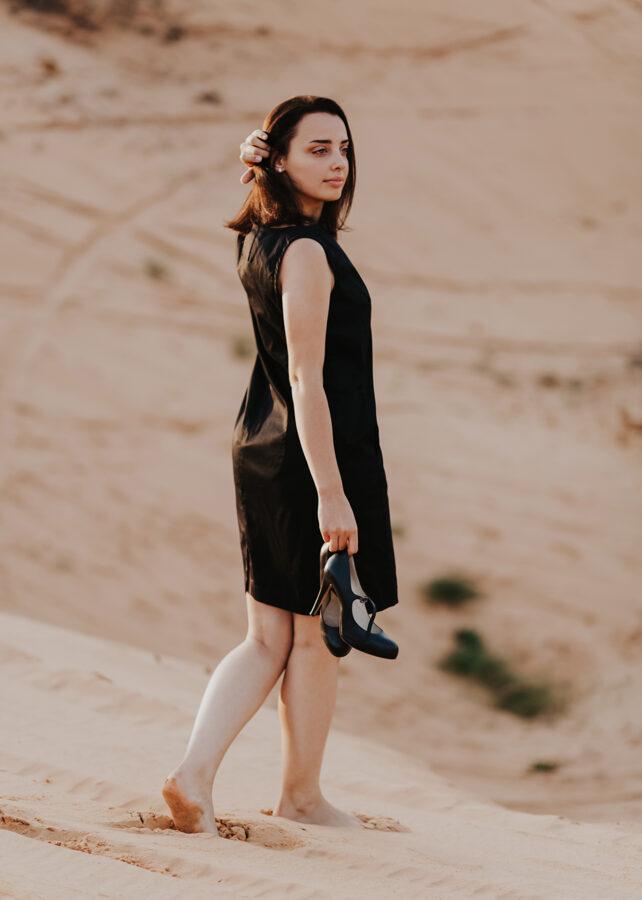 Kokvilnas kleita ar kabatām - melna