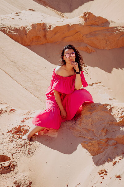 Mākslīgā zīda plecu kleita - peoniju rozā
