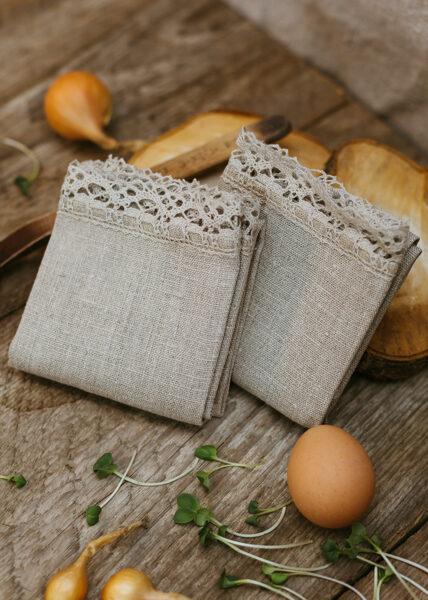 Linen towel set (2 towels) with lace