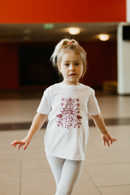 Children's t-shirt Solstice pattern / carmine red