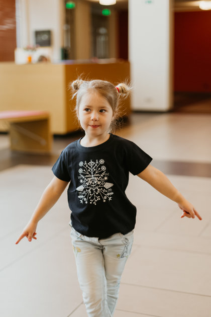 Children's t-shirt Solstice pattern / dark blue
