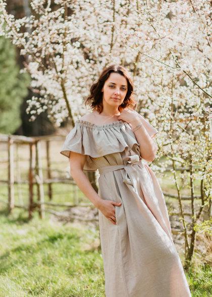 Linen dress – beige